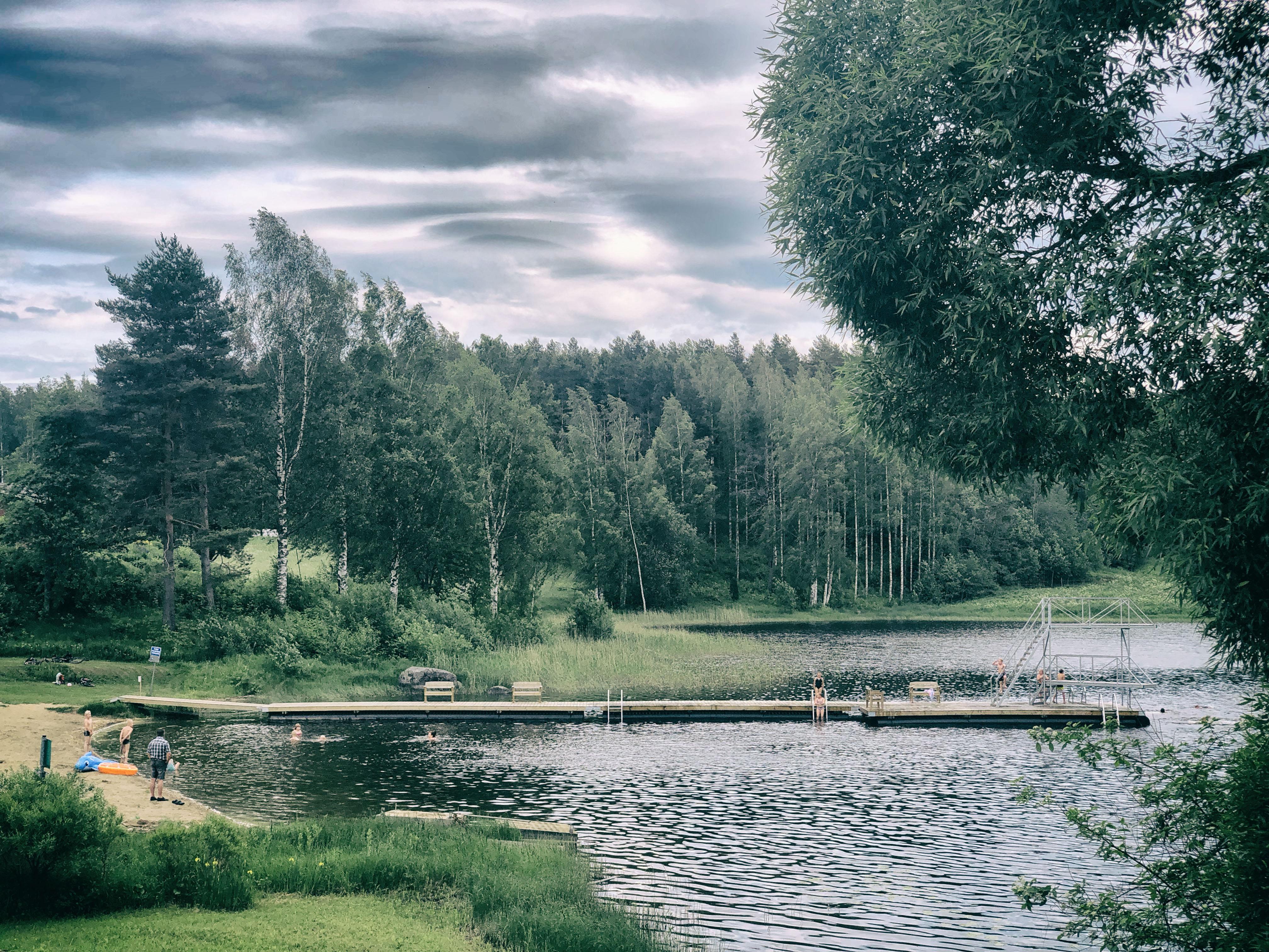 Pitkänlahden uimaranta ja laavu